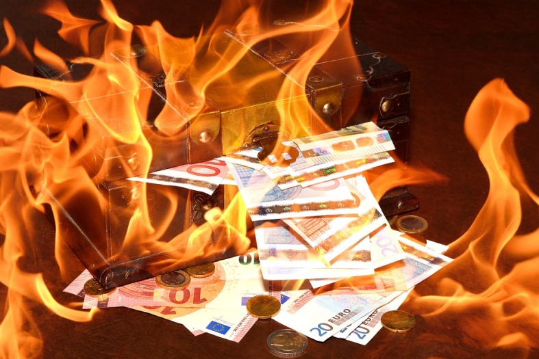 i tuoi soldi bruciano